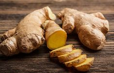 How To Stop A Runny Nose - Ginger For Runny Nose Raw Ginger, Ginger Juice, Fresh Ginger, Ginger Beef, Ginger Extract, Ginger Plant, Cold Remedies, Health Remedies, Natural Remedies