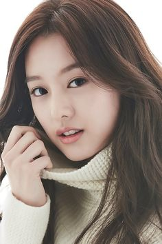 Ji-won Kim was born on October 1992 in Seoul, Korea. She is an actress, known for Descendants of the Sun Sangsogjadeul and Ssam, Maiwei Asian Actors, Korean Actresses, Korean Actors, Actors & Actresses, Kim So Eun, Kim Ji Won, Korean Beauty, Asian Beauty, Korean Girl