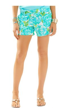 Printed shorts are a Lilly girl must have. No matter the season, we're always buying shorts. The Callahan's are the perfect 5 inch short. Wear with a sweater, tank, tee or popover - no matter what you do, don't limit yourself to one pair. They are best bought in bunches.