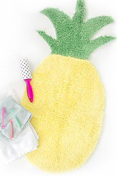 DIY Pineapple Shaped Bath Mat