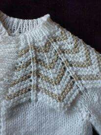 Beautiful vest for babies, we dont have schema. We will be glad when you knitting and share with us. Baby Knitting Patterns, Knitting For Kids, Knitting Designs, Knitting Stitches, Baby Patterns, Free Knitting, Cardigan Bebe, Baby Cardigan, Diy Crochet Sweater