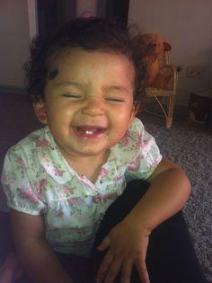 """Por @Fiorellitaita """"para mi, lo más positivo del mundo es la sonrisa de mi hija #sonrioporque soy feliz :) """""""