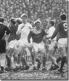27th March 1965. Jack Charlton, Denis Law and Bobby Collins are the main protagonists during this confrontation in the semi final clash with Manchester United.