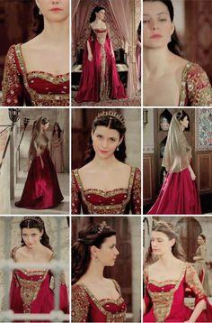 Kosem Sultan, Aesthetic Value, Royal Dresses, Queen Dress, Turkish Beauty, Skin Treatments, Bridal Makeup, Glowing Skin, Human Body