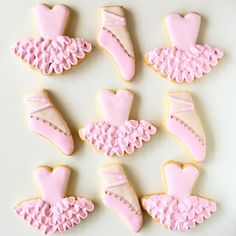 New birthday cake girls ballerina tutus ideas Ballet Birthday Cakes, Ballerina Cupcakes, New Birthday Cake, Ballerina Birthday Parties, Bailarina Cookies, Birthday Greetings For Boyfriend, Shoe Cookies, Ballerina Baby Showers, Girl Cakes