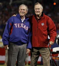 As a patriotic American & a huge Rangers fan, I love this picture so much! Fun fact: George W. Bush owned the Texas Rangers before entering politics & can sometimes be seen at games with former First Lady Laura Bush. Presidents Wives, Greatest Presidents, American Presidents, American Soldiers, Laura Bush, Barbara Bush, Us History, American History, British History