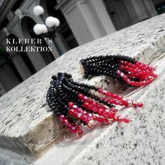 Tassel degradé in red & black crystals. . . Fotografía: @klebersoriano . . . be DIFFERENT choose an #kk #fashion #red #black #tassel #crystals #earrings #bijoux #bisuteria #jewel #jewerly #publicidad #ads #design #designer #emprendedor #Ecuador #photography #handmade #estilo #style #fashionista #marketing #socialmedia #vintage #trends