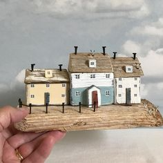 Harbour cottages, on chunky driftwood #rustic #rusticart #driftwood#driftwoodart #shabbydaisies #shabbychic #cottage #littlehouse#handmade