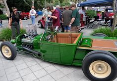 Nice retro-style '28 Ford roadster truck