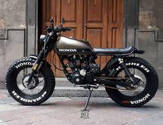 Honda Scrambler with Massive Tyres ? Honda Scrambler with Massive Tyres ? Cafe Racer Honda, Cg 125 Cafe Racer, Cafe Bike, Cafe Racer Bikes, Moto Scrambler, Scrambler Custom, Moto Guzzi, Moto Bike, Cafe Racer Motorcycle