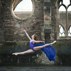 The Bristol Ballerina - www.suzibird.co.uk  #ballet #dance #ballerina #pointe #dancephotography #SuziBirdPhotographer #photography