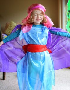 Why We Love Sarah's Silks (and an International Giveaway!) from Fun at Home with Kids