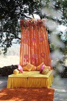 home decor decoration Desi Wedding Decor, Wedding Hall Decorations, Diy Wedding Backdrop, Marriage Decoration, Backdrop Decorations, Wedding Blog, Backdrop Ideas, Wedding Henna, Wedding Mandap
