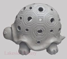 Children clay animal projects for children ceramic art classes Clay Turtle, Ceramic Turtle, Ceramic Fish, Ceramic Pottery, Pottery Art, Ceramic Art, Pottery Designs, Ceramic Mugs, Pottery Animals