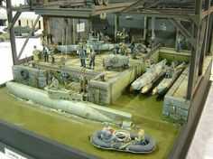 "This Diorama Contains Two Different Types of ""Midget Submarines"". Several Websites Sell HO Scale Models of these Particular ""Midget Submarines"" ! Scale Model Ships, Scale Models, Boat Building, Model Building, Midget Submarine, Model Tanks, Military Figures, Military Modelling, Luftwaffe"