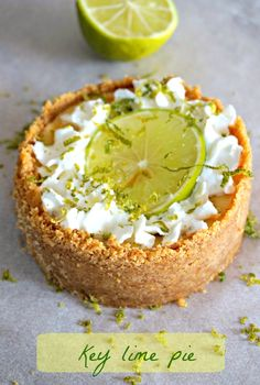 Key lime pie - Rappelle toi des mets Pesto, Key Lime Pie, Lemon Bars, American Food, Bake Sale, Food Truck, Street Food, Avocado Toast, Camembert Cheese