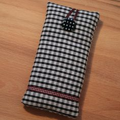 Gingham iPhone Case - made with care in the Cotswolds by GilmpsesandSnippets! £8 on Etsy UK  #SmallBizSatUK #HandmadeHorizons