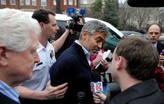 George Clooney é preso em protesto contra o governo do Sudão