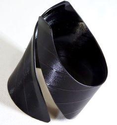 Schallplatte Armreif, Armband, LP Schmuck von VinylKunst Aurum - Schallplatten Upcycling der besonderen ART auf DaWanda.com