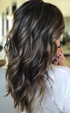 Cool brunette with piecey bronde htt ighlights @hairby_btaylor