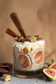 Creamy Fig and Cinnamon Fall Smoothie. It's like fall in a cup! Healthy, vegan, sweet, and delicious! http://NeuroticMommy.com #smoothies