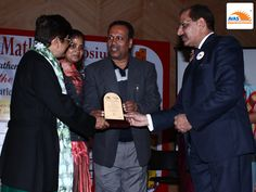 AVAS franchise receiving HONOR's AWARD for excellent contribution in the filed of ABACUS & VEDIC MATH, at PHD Chambers'2014