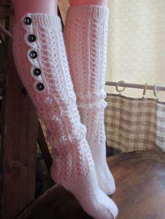 Pellavasydän: Pitsipolvarin ohje, osa I Happy Socks, Knee High Socks, Knitting Socks, Leg Warmers, Mittens, Needlework, Knit Crochet, Slippers, Footwear
