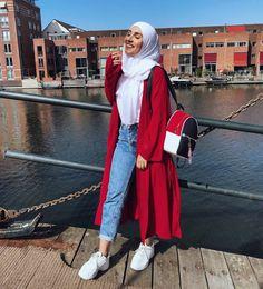 64 hijab with jeans – modest hijab jeans outfits this season Hijab Fashion Summer, Modern Hijab Fashion, Hijab Fashion Inspiration, Muslim Fashion, Fashion Outfits, Hijab Style, Casual Hijab Outfit, Hijab Chic, Modele Hijab