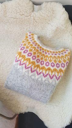 Hand Knitted Sweaters, Sweater Knitting Patterns, Knitting Designs, Knitting For Kids, Hand Knitting, Ravelry, Handgestrickte Pullover, Icelandic Sweaters, Fair Isle Knitting