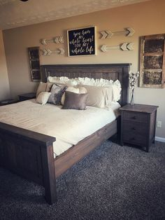 Most Beautiful Rustic Bedroom Design Ideas. You couldn't decide which one to choose between rustic bedroom designs? Are you looking for a stylish rustic bedroom design. We have put together the best rustic bedroom designs for you. Find your dream bedroom. Comfy Bedroom, Bedroom Diy, Rustic Master Bedroom, Apartment Decor, Home, Bedroom Inspirations, Home Bedroom, Remodel Bedroom, Home Decor