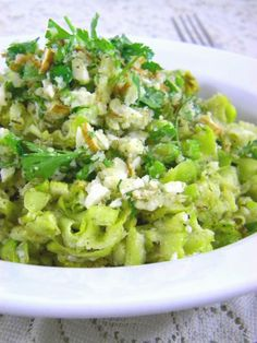 ADDICTED to VEGGIES: Buttery Zucchini Pasta with Thyme & Sage - Quick & Easy Raw Vegan!