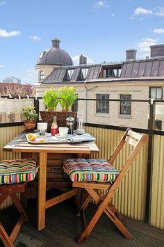 outdoor home decor and ideas for small balcony designs Klaffipöytä parvekkeelle.