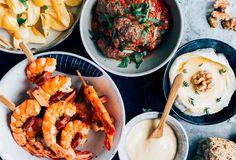 Tapas recepten (makkelijk en snel) - Uit Pauline's Keuken Latte Art, Healthy Recipes, Healthy Food, Hummus, A Table, Seafood, Brunch, Good Food, Asian