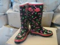 Rain boots by Pati' shopping, via Flickr