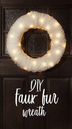 Opt for Faux ™ Thick & Quick® Bonus Bundle® Yarn - Diy Project Entscheiden Sie sich für Faux ™ Thick & Quick® Bonus Bundle® Garn - Diy Projekt Opt for Faux ™ Thick & Quick® Bonus Bundle® yarn Christmas Projects, Holiday Crafts, Fun Crafts, Diy And Crafts, Recycled Crafts, Creative Crafts, Quick Crafts, Creation Deco, Diy Wreath