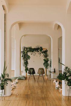 Hochzeitsfotograf | Dresden | Wedding |  Green Industry | Details | Eames Chair | Monstera | Shooting | Hessbeck Photography Eames, Wedding Chairs, Industrial, Green, Photography, Home Decor, Style, Swag, Photograph