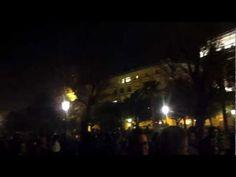 video: Capodanno Salerno - migliaia di persone sul Lungomare Trieste a festeggiare il 2013