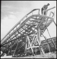 https://flic.kr/p/FSnV8j | Εργάτης σε καρνάγιο, 1950 - 1960. Βούλα Παπαϊωάννου, Φωτογραφικό Αρχείο Μουσείου Μπενάκη.