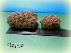 http://maj-ja.ru/master-klass-vyazanaya-kryuchkom-kartoshka/ Мастер-класс вязаная крючком картошка. Pattern in Russian #amigurumi #crochetfood #playfood #crochet