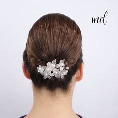 3 Minute Elegant Bun Hairstyles Tutorial Soft, shiny, silky and well-groomed hair is our dream. However, due to our research for hair care, the main subject of t. Ballet Hairstyles, Bun Hairstyles For Long Hair, Work Hairstyles, Elegant Hairstyles, 2 Buns Hairstyle, Hairstyles Videos, Wedding Hairstyles, Chignon Bun, Updo