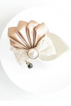 Royal Ambassador Pleat Ribbon Brooch in Felicity | Sincerely Sweet Boutique