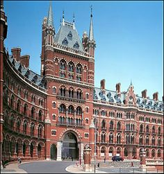 The St Pancras Renaissance Hotel London exemplifies High Victorian Gothic architecture in its most dramatic sense, the stunning redbrick building. London Architecture, Gothic Architecture, Amazing Architecture, British Architecture, London Hotels, Art Français, Renaissance Hotel, Victorian Buildings, Fairytale Castle