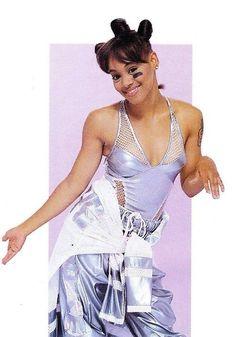 Lisa is so pretty. Black Girl Aesthetic, Purple Aesthetic, 2000s Fashion, Hip Hop Fashion, Fashion History, Lisa Left Eye, 90s Girl, Hip Hop And R&b, Doja Cat