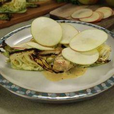 Image for Kycklinglår i dijongräddsås med ugnsrodad spetskål & äpple