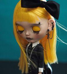 Gothic Dolls, Dream Doll, Minnie, Ball Jointed Dolls, Cute Dolls, Blythe Dolls, Beautiful Dolls, Blonde Hair, Halloween Face Makeup
