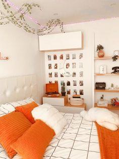 Cute Bedroom Decor, Cute Bedroom Ideas, Teen Room Decor, Room Ideas Bedroom, Bedroom Inspo, Aesthetic Room Decor, Cozy Room, House Rooms, Room Inspiration