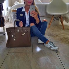 Enfin un peu de fraicheur pour la nordique que je suis 😽😽❤️💕❤️très bon lundi les copines ❤️💕❤️😘😘😘 all #zara #zaradaily sneakers#goldengoose #goldengoosedeluxebrand bag #birkin #hermes #hermesbirkin #chanelbrooch #picoftheday #instadaily #instafashion #instamood #ootd #outfitoftheday #outfit #outfitpost #fashion #fashiongram #fashionista #fashiondaily #fashiondiares #fashionblogger #fashionaddict #fblogger #mylook #mystyle #style #whatiwore #lookoftheday