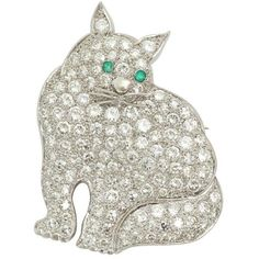Preowned 1930s Emerald Diamond Platinum Figural Green-eyed Kitty Cat... ($13,000) ❤ liked on Polyvore featuring jewelry, brooches, green, antique jewellery, emerald brooch, emerald jewelry, green jewelry and antique broach