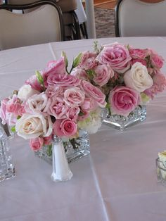 White and pink roses centerpiece
