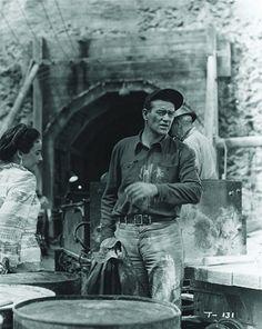 John Wayne and Laraine Day in Tycoon Laraine Day, Westerns, The Quiet Man, John Wayne Movies, Hollywood Men, Ann Margret, Faith In Love, 1 John, Classic Films